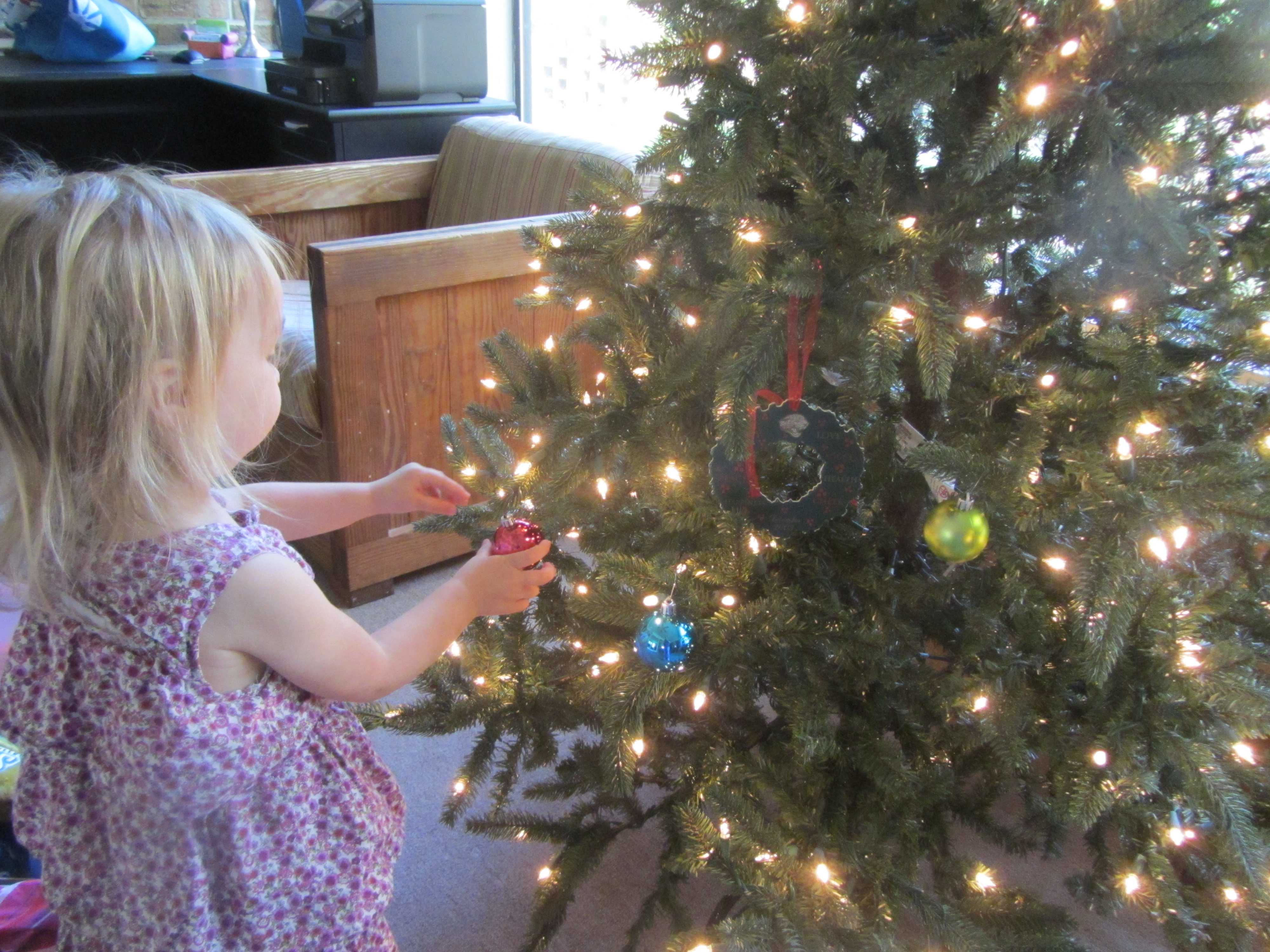 Show Me Your Christmas Tree Blog Hop Linky Carrie