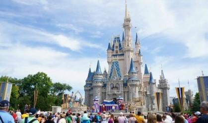 magic-kingdom-park-castle-image-mclaren-family